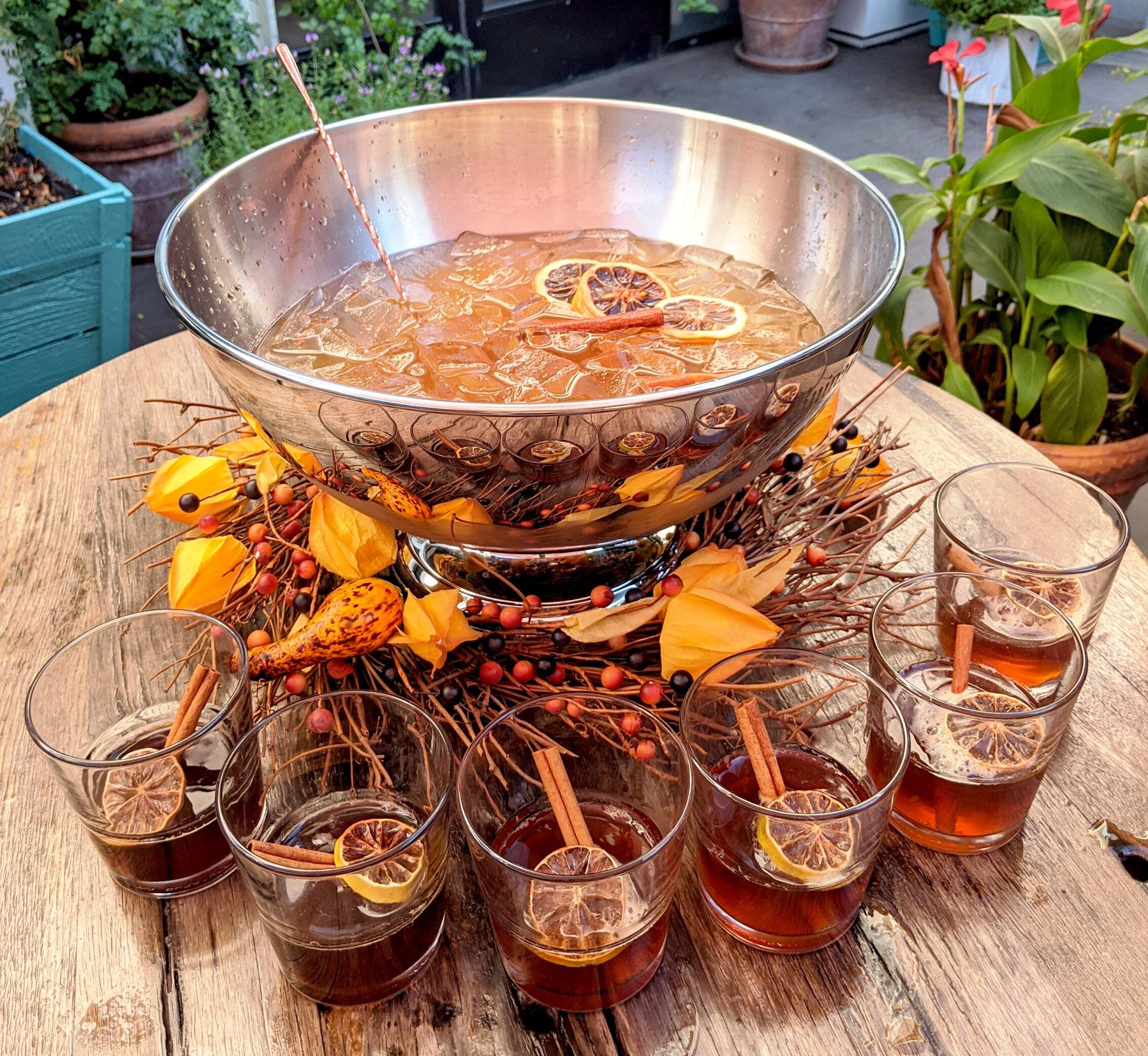 Thanksgiving cocktail | Pilgrim punch