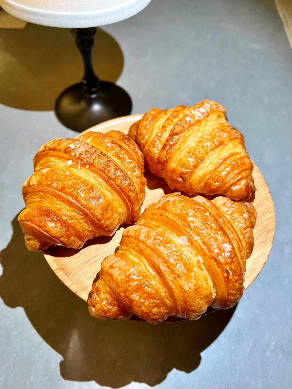 Garlic croissants